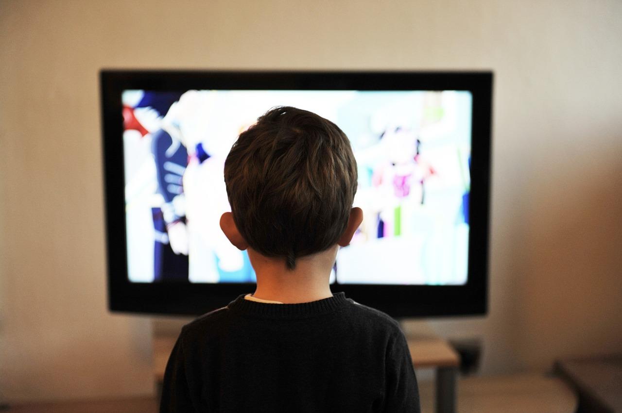 efek menonton televisi bagi anak