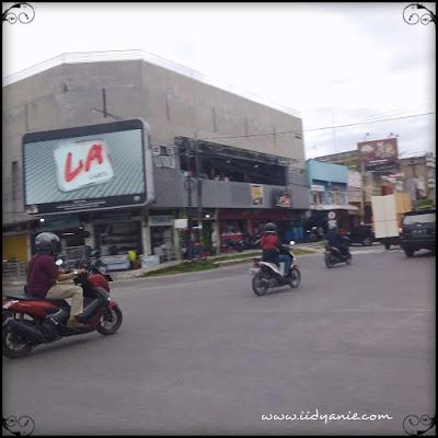 Jalan kota dumai jalan sultan syarif kasim, toko tenaga muda, toko sari disikos, pak datuk, rofina