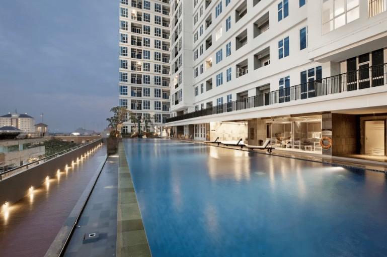 Fasilitas infinity pool di apartemen roseville bsd tangerang selatan