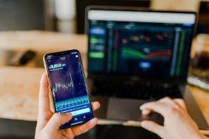 Investasi online untuk digital savvy termasuk aset kripto